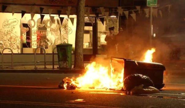 В США начались акции протеста после победы Трампа