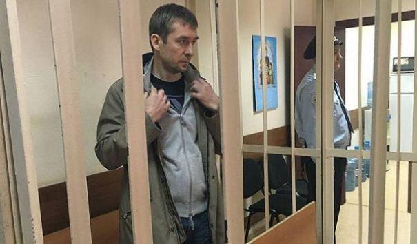 Пресненский суд арестовал около 1 млрд рублей на счетах Захарченко