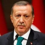 В годовщину попытки переворота Эрдоган обратился к туркам из каждого телефона