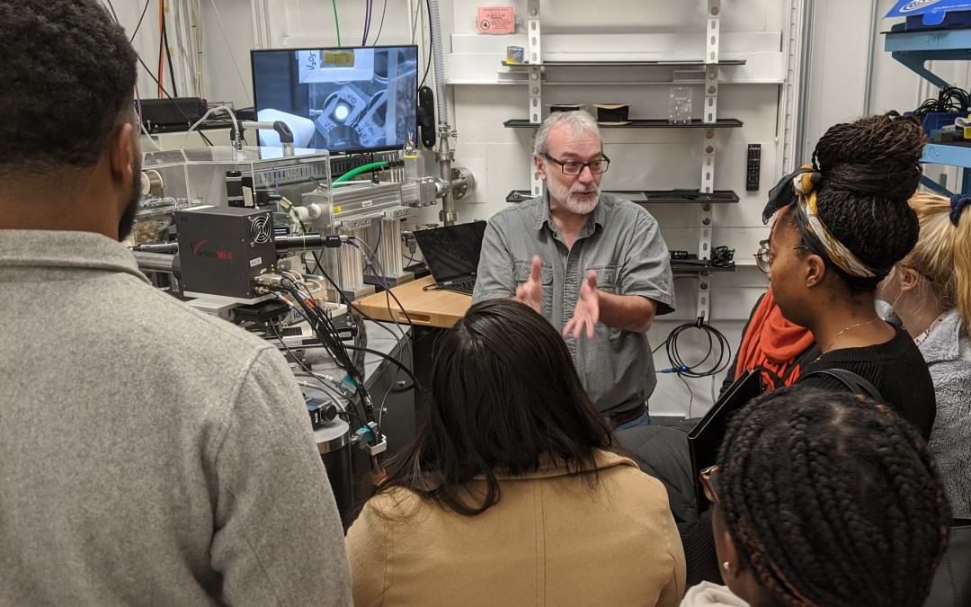 GSECARS Hosts Undergraduate Students from First Look @ Argonne Program
