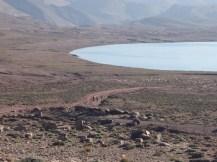 Pepe baja al lago Isli.