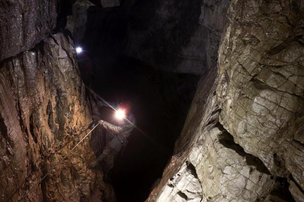 Grotta del Vento, condotta sul P160