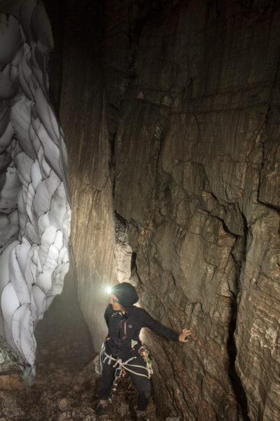 Shpella e Dallandysheve (Grotta delle Rondini)