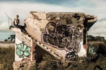 2013.07_Intervención corporal por parte de la poeta Dira Martínez y el artista del movimiento Ernesto Borges