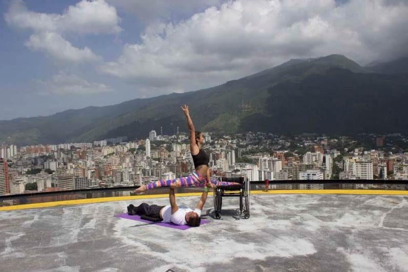 2017.11. Acroyoga en lo alto de Caracas junto a AcroExtremo