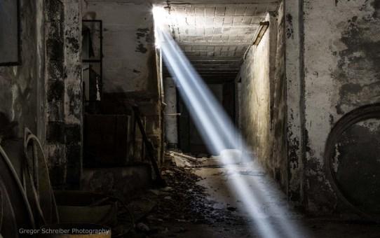 Lost Places - Fahrzeughalle vom Steinbruch