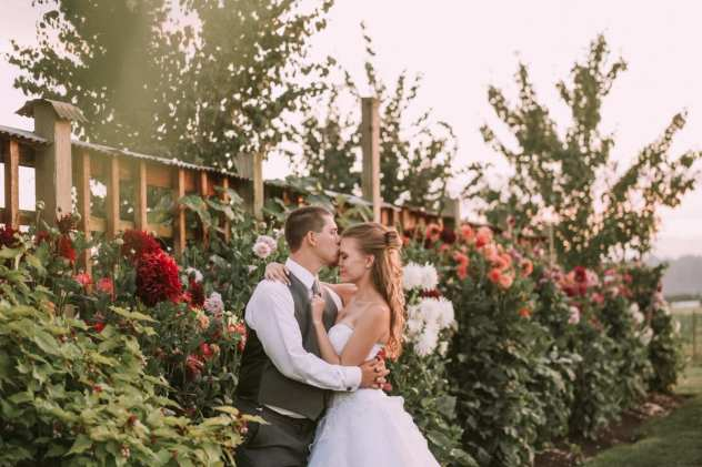 GW1 7135 Seattle and Snohomish Wedding and Engagement Photography by GSquared Weddings Photography