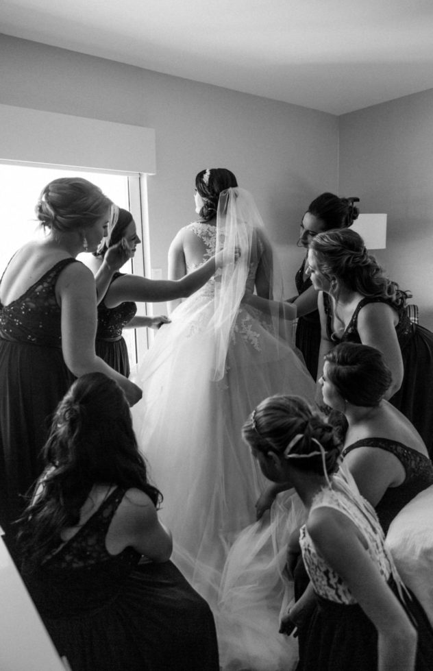 getting ready wedding photography hours