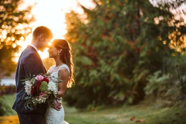 wedding tips and 10 things you need for your summer wedding