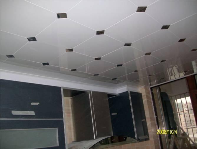 kitchen ceiling lights countertops materials 厨房的这种天花板灯怎么拆下来换灯泡 百度知道 扣