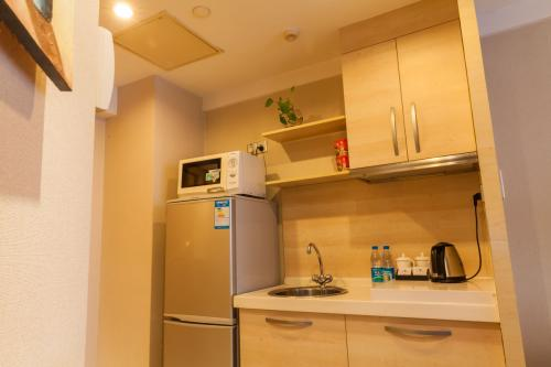hotels with kitchen white distressed table 公寓式酒店有厨房吗 百度知道