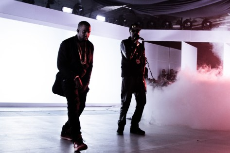 Samsung Galaxy Note II - Kanye and 2 Chainz Performing
