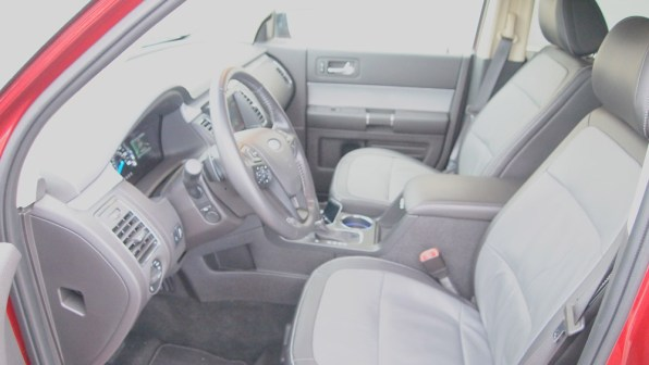 Ford Flex Limited - REview - Car - Auto - G Style magazine - interior - dashboard - steering wheel - side 1