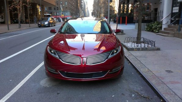 2013LincolnMKZ-Front