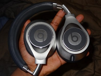 BeatsbyDre - Executives - Headphones - Review - G Style Magazine - fold ear pieces