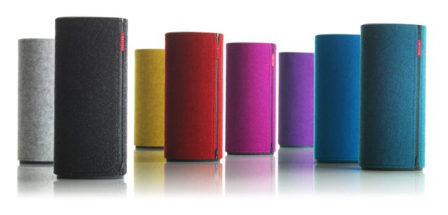Libratone Zipp Blue - G Style Magazine REview - AirPlay Speakers - family with covers