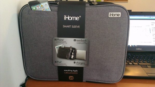 iHome Smart Sleeve Bag - package