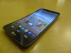 LG G Flex (2)