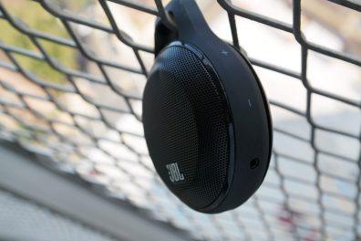 JBL-Clip-Wireless-Speaker-3