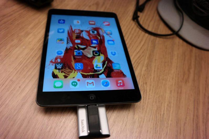 SanDisk iXpand Flash Drive iPad