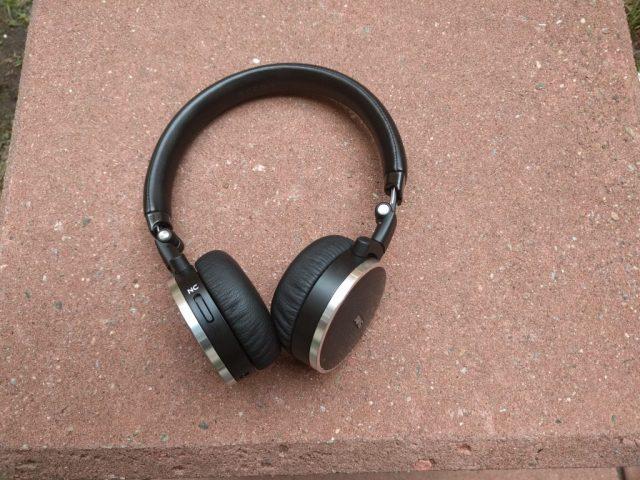 AKG NC N60 Headphones (3)