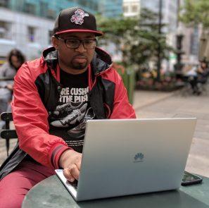 Huawei MateBook X Pro Back 2