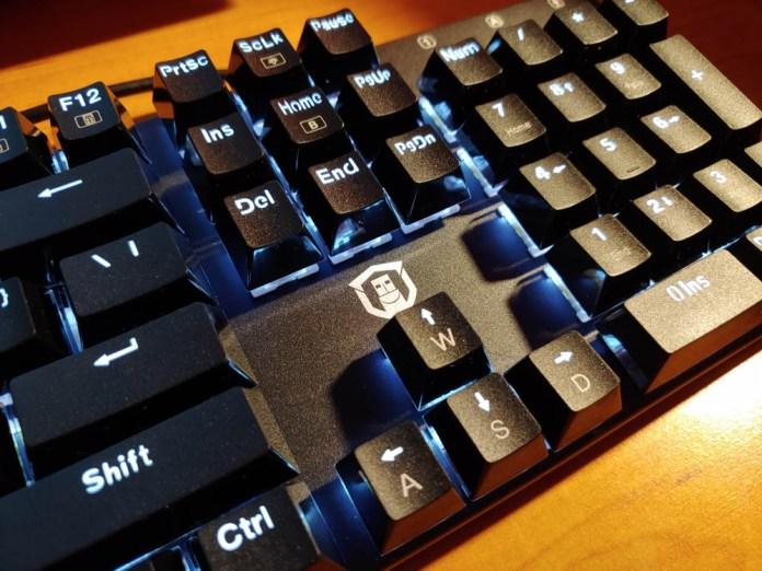 Plugable Mechanical Keyboard