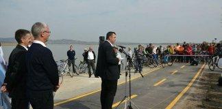 12 kilométer hosszú kerékpárút a Velencei-tó déli partján