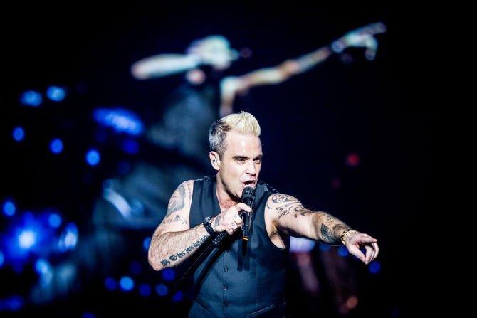 Teltház volt Robbie Williams koncerten