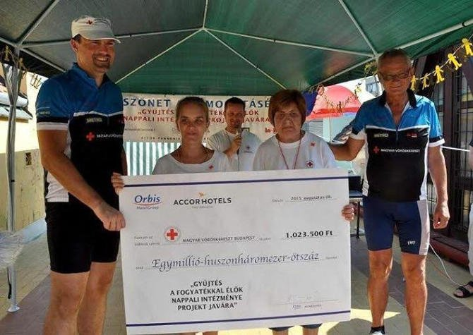 Egymillió forintot gyűjtött az AccorHotels Magyarország a fogyatékkal élők számára
