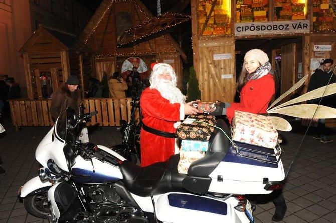 Rekordszámú csomagot kézbesített a Harley Mikulás