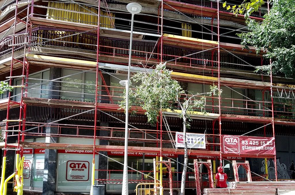 Rehabilitant la façana de la nostra seu a Barcelona