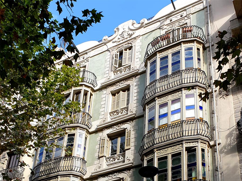 Fachada rehabilitada Valencia, 198, Barcelona