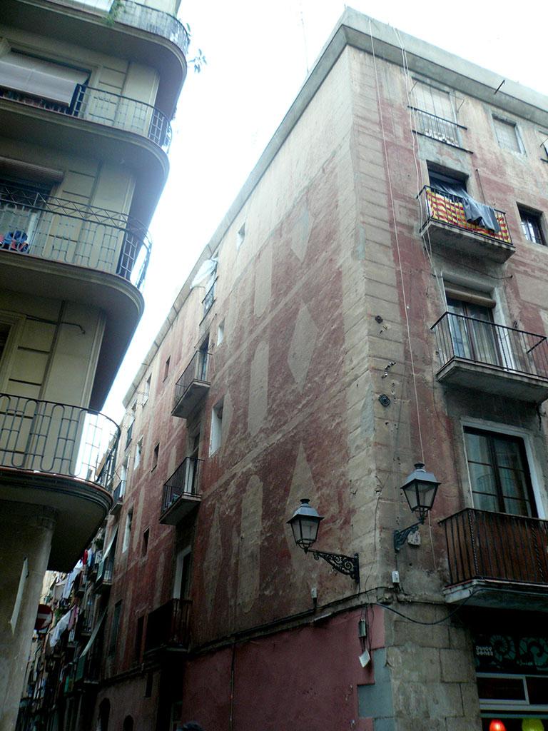 Esquina fachada antes de la rehabilitación
