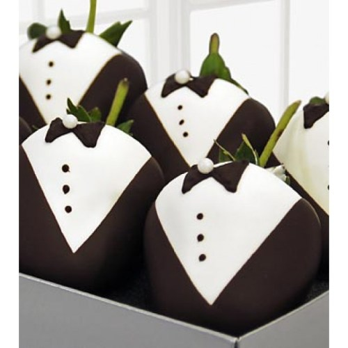 Tuxedo Strawberries in Box
