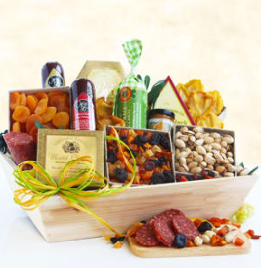Food and cheese wooden gift crate, gift baskets Toronto, gift baskets delivery Toronto, food gift baskets