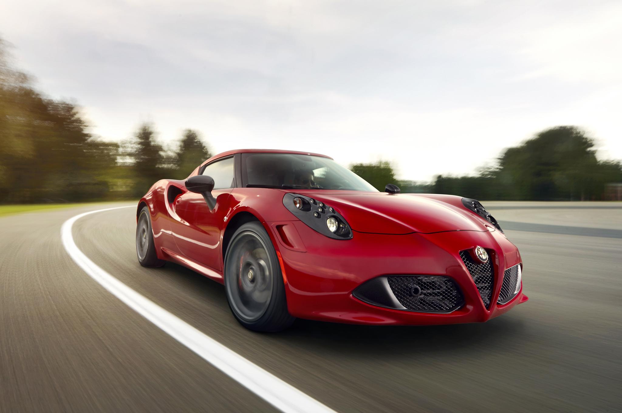 2014 Alfa Romeo 4C Front Exterior View