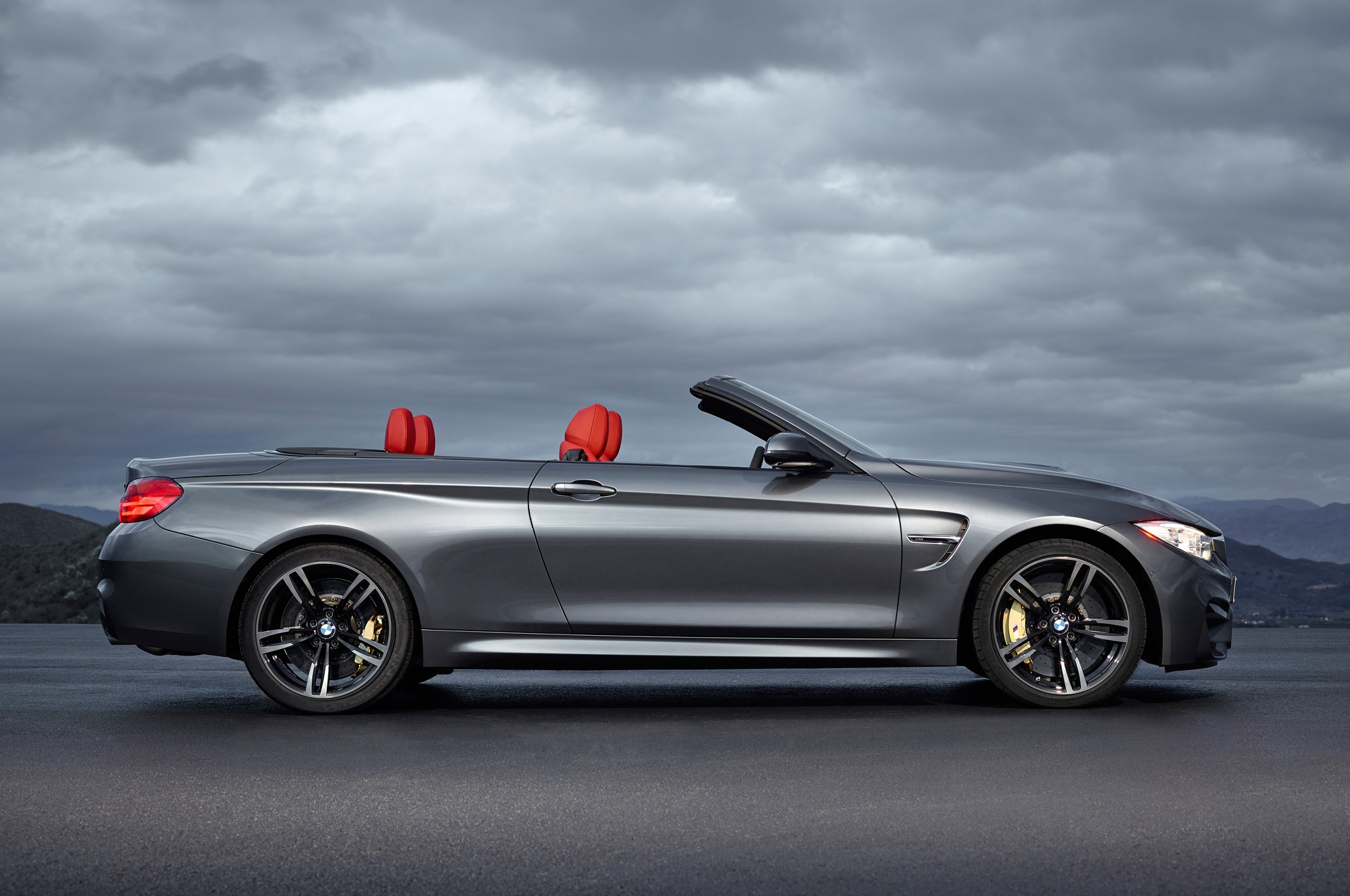 2015 BMW M4 Convertible Perfect Side View