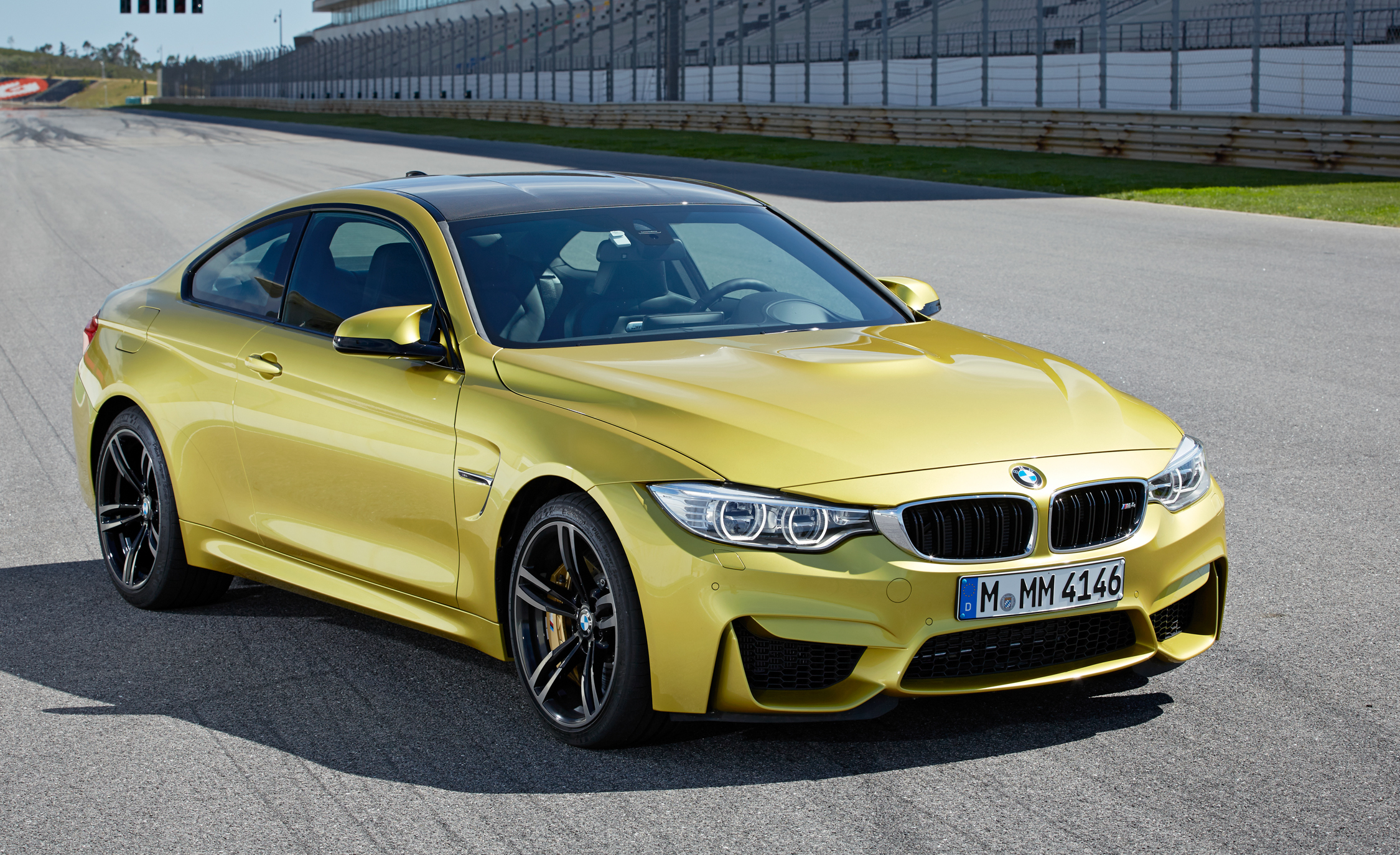 2015 BMW M4 Coupe Exterior Preview