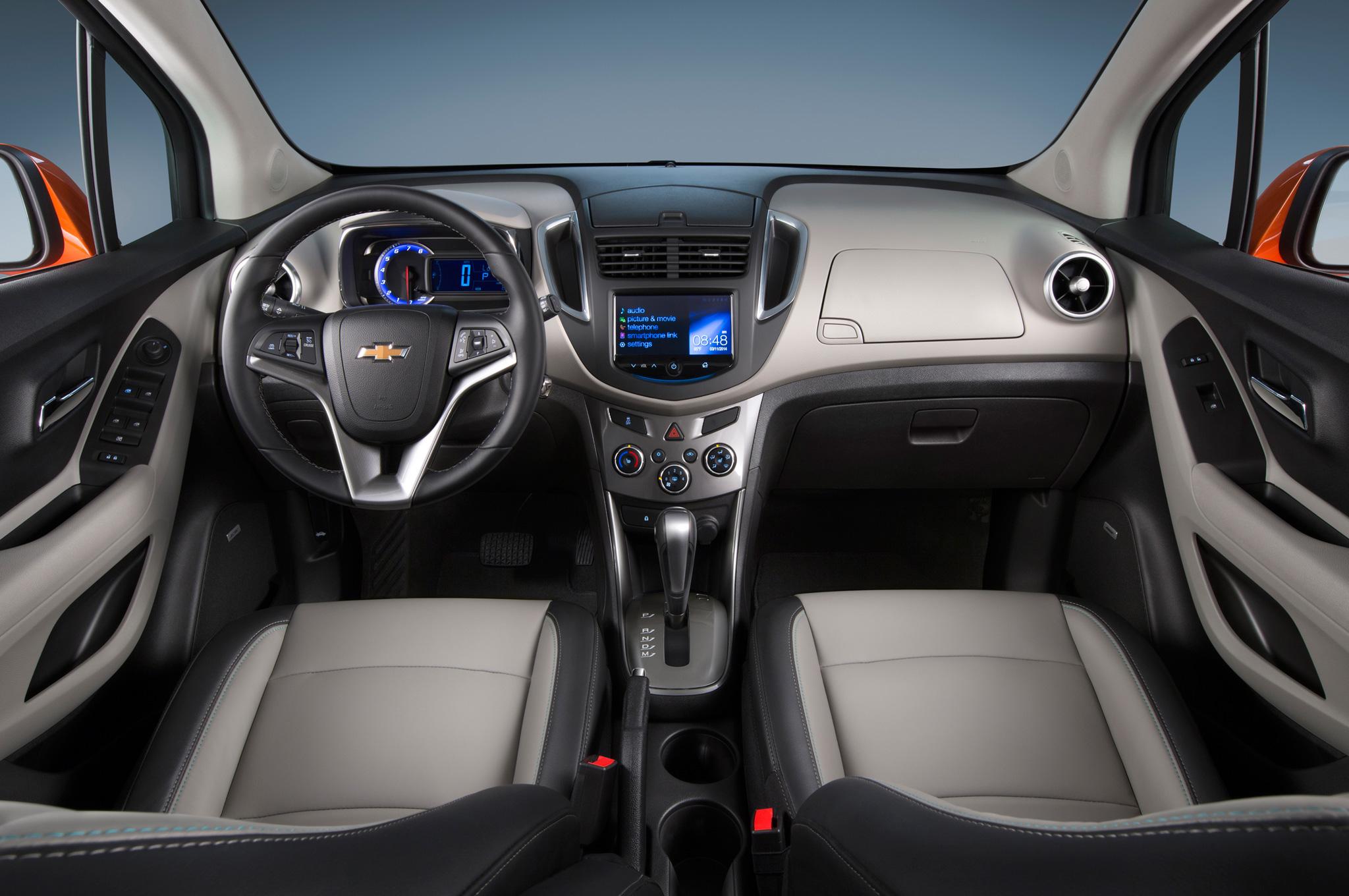 2015 Chevrolet Trax Cockpit and Dashboard Interior