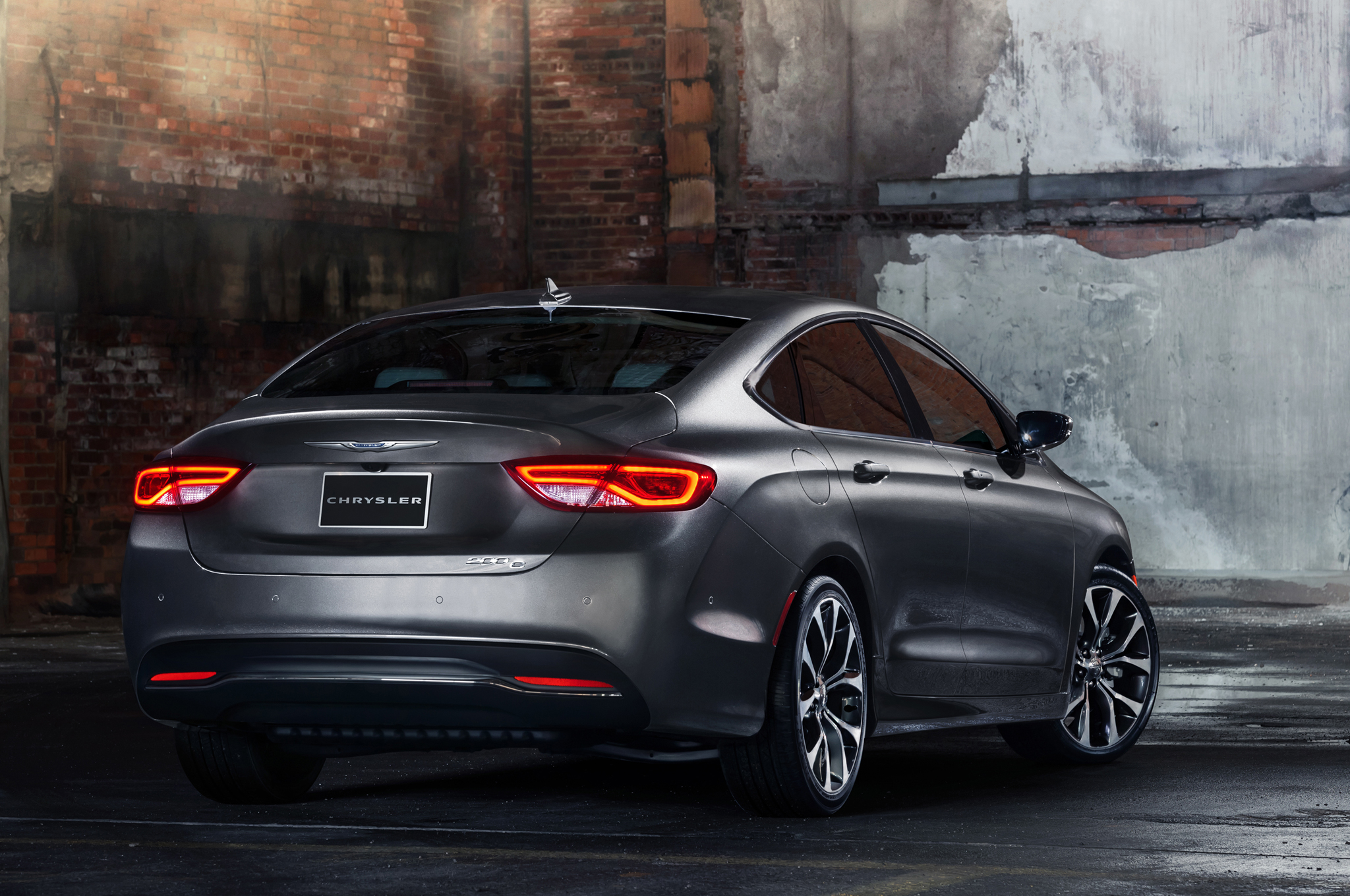 2015 Chrysler 200 Rear Exterior