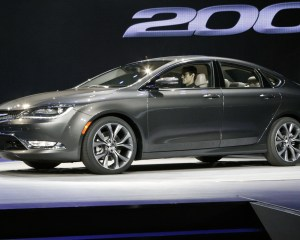2015 Chrysler 200 Side View