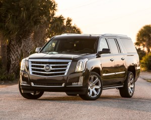 2015 cadillac escalade front three quarter