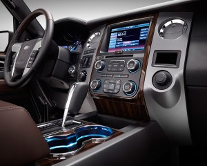 2015 Ford Expedition Dashboard and Head Unit