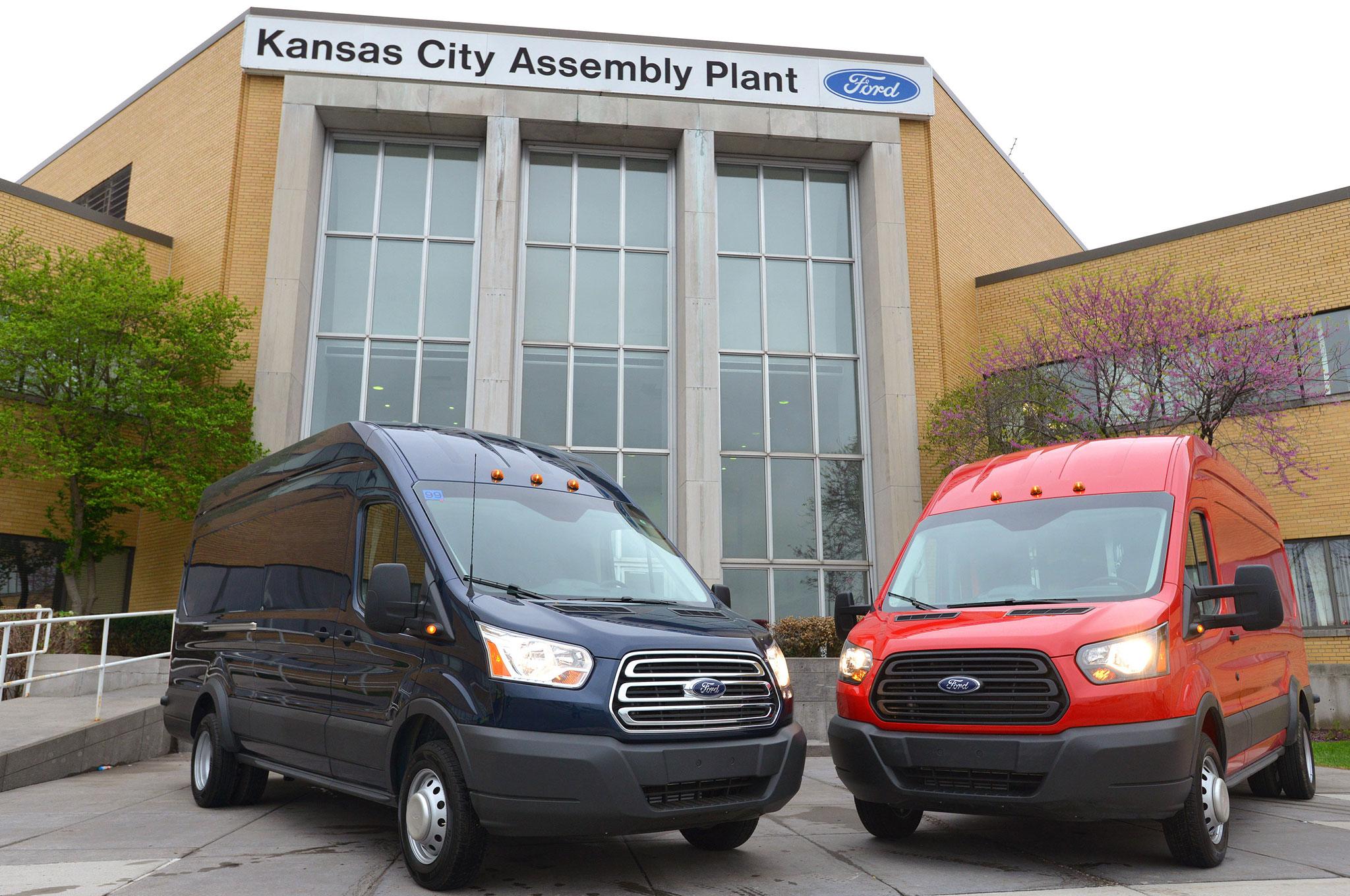 2015 Ford Transit 150 New