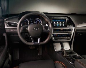 2015 Hyundai Sonata Dashboard and Cockpit