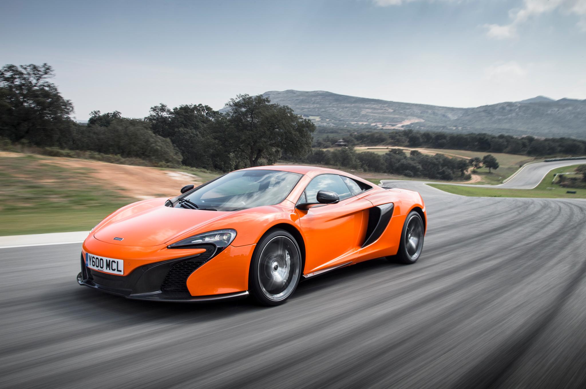 2015 McLaren 650S in Motion Image