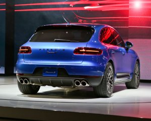 2015 Porsche Macan Rear Side Design
