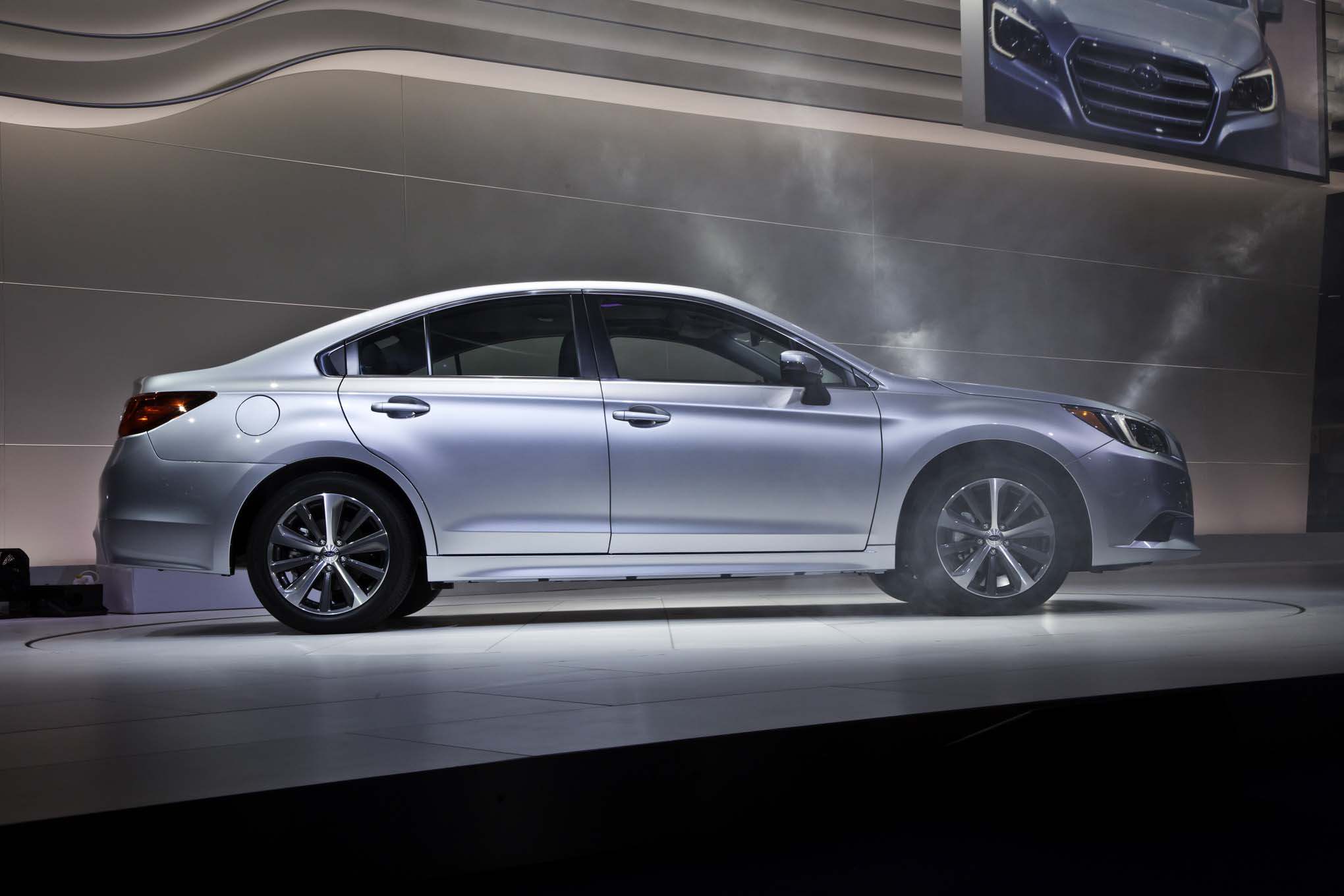 2015 Subaru Legacy Side View Auto Show
