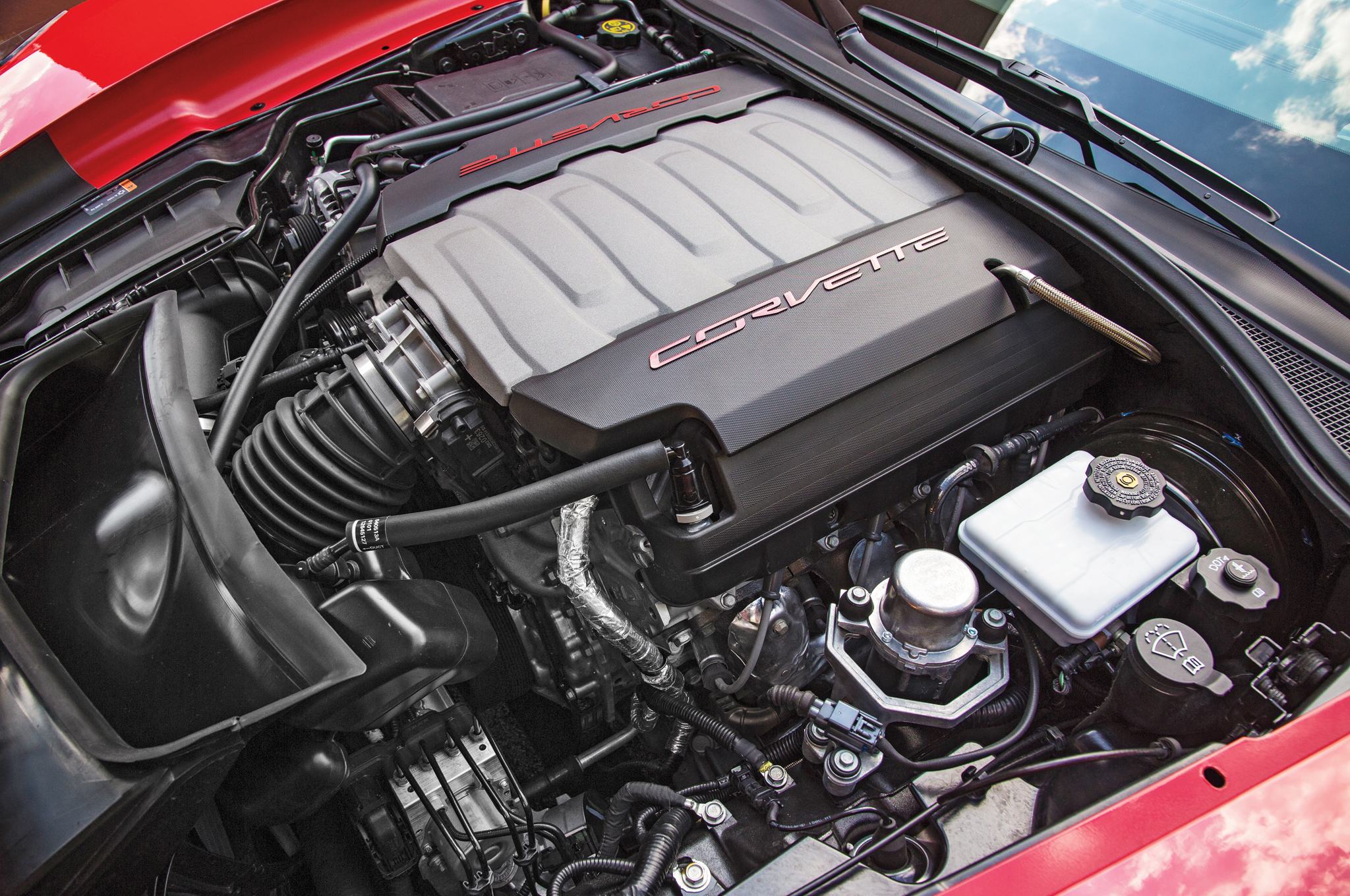2014 Chevrolet Corvette Stingray Z51 Engine Photo